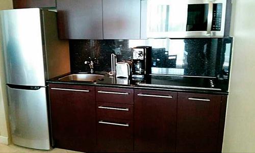 Fontaine-Bleau-III-Kitchen