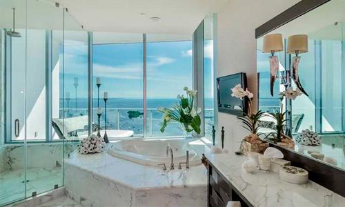 Grovenor-House-Bathroom