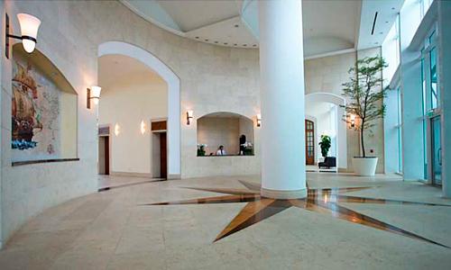 Santa-Maria-Lobby