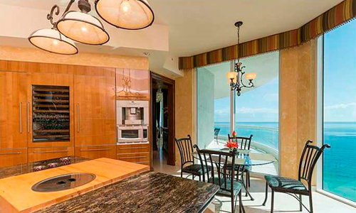 Turnberry-Ocean-Colony-Kitchen-Area