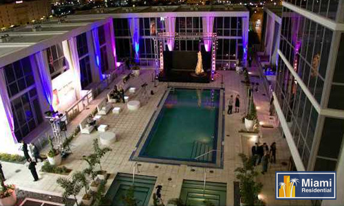 Marquis_Downtown_Pool_Lounge