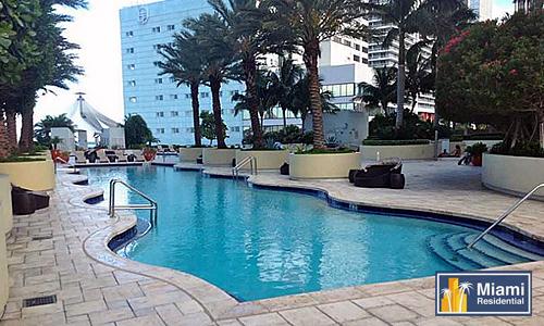 Vizcayne_Downtown_Pool
