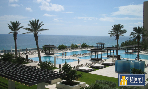 beach-club-one-pool