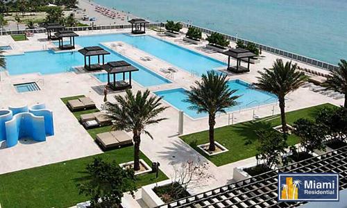 beach-club-three-pool