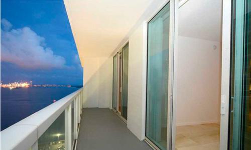 Solaris-Balcony