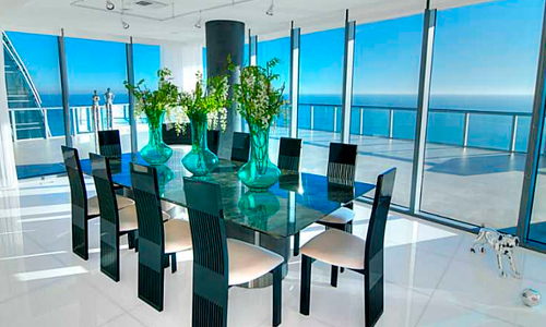 Jade-Beach-Dining-Area