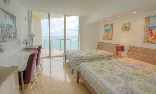 La-Perla-Bedroom