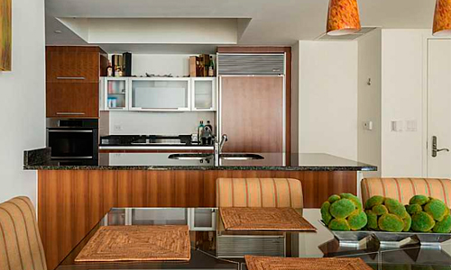 Ocean-Four-Kitchen-and-Dining-Area