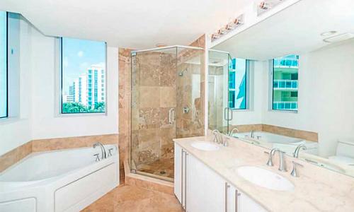 3030-Aventura-Bathroom