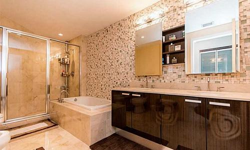 Atrium-Bathroom