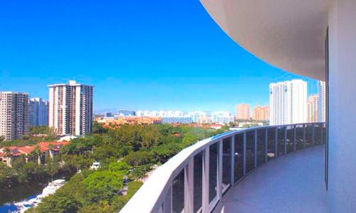 Bellini-Williams-Island-Balcony-View