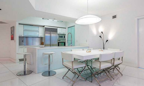 Murano-Grande-Kitchen-and-Dining-Area