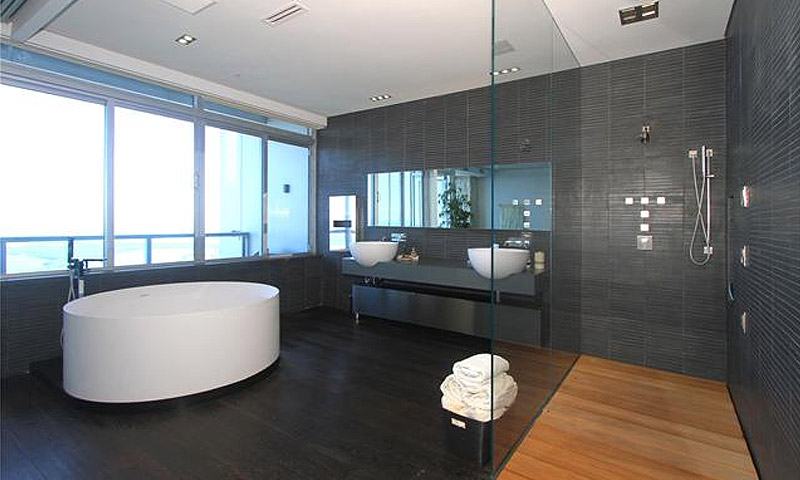 4-seasons-bathroom