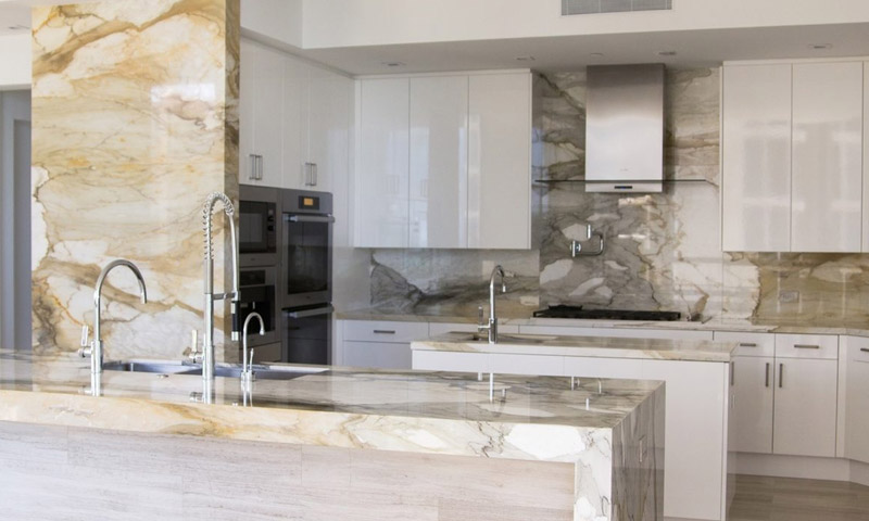 acqualina-marble-kitchen