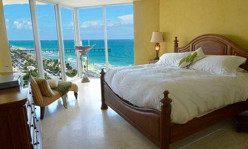 Renaissance-on-the-Ocean-Bedroom