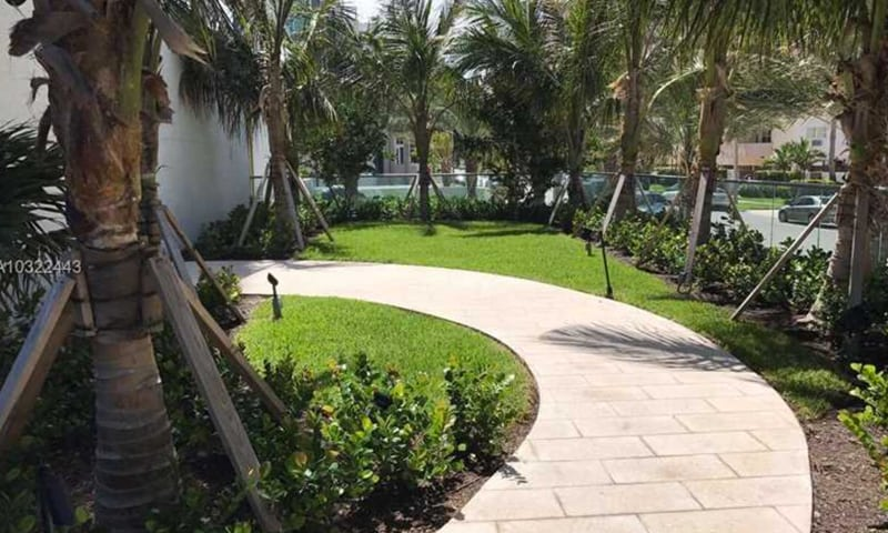 02-Biscayne-Beach-Amenities-10