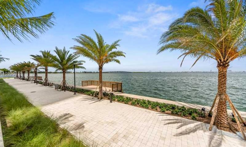 02-Biscayne-Beach-Amenities-11