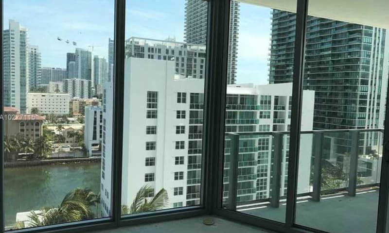 04-Biscayne-Beach-Interior-4