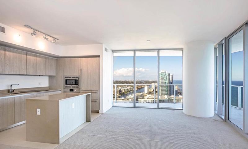 10-Hyde-Beach-Hollywood-Residence-1
