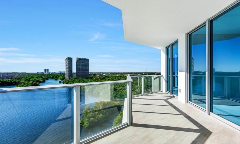 13-Marina-Palms-Balcony