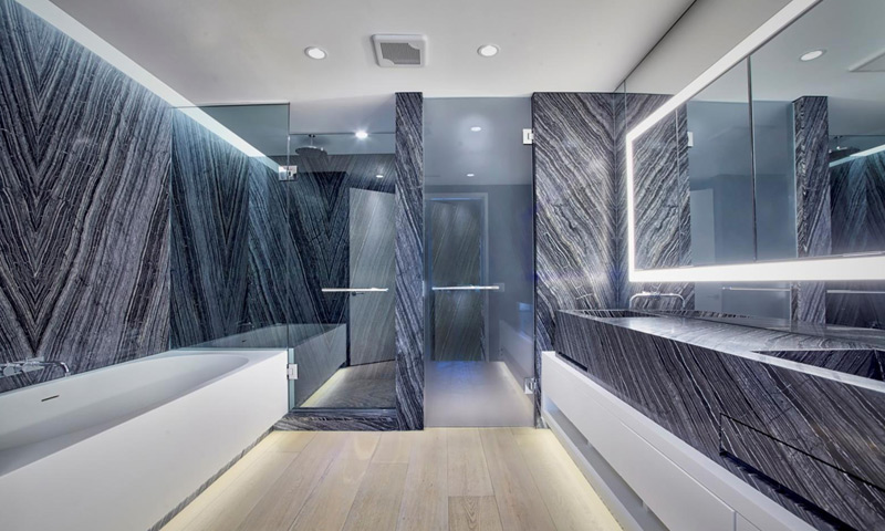 18-300-Collins-Bathroom