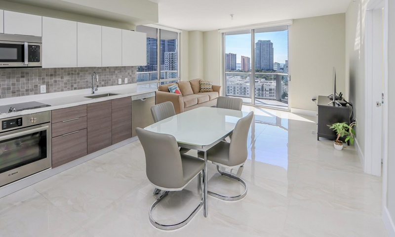 15-Brickell-Ten-Kitchen