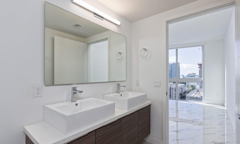 18-Brickell-Ten-Bathroom