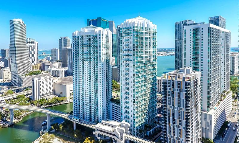 01-Brickell-on-the-River-towers