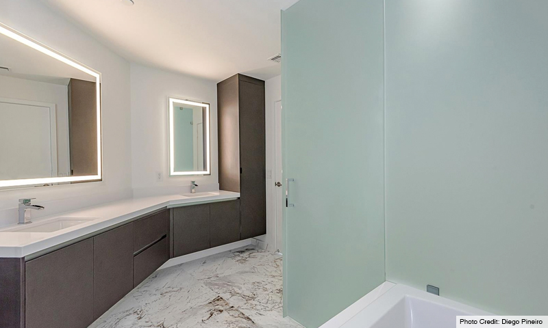 19-Paramount-Miami-World-Center-Sept-2019-Bathroom