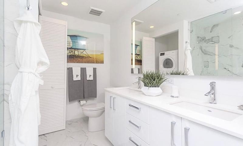 23-Panorama-Tower-Bathroom-2019