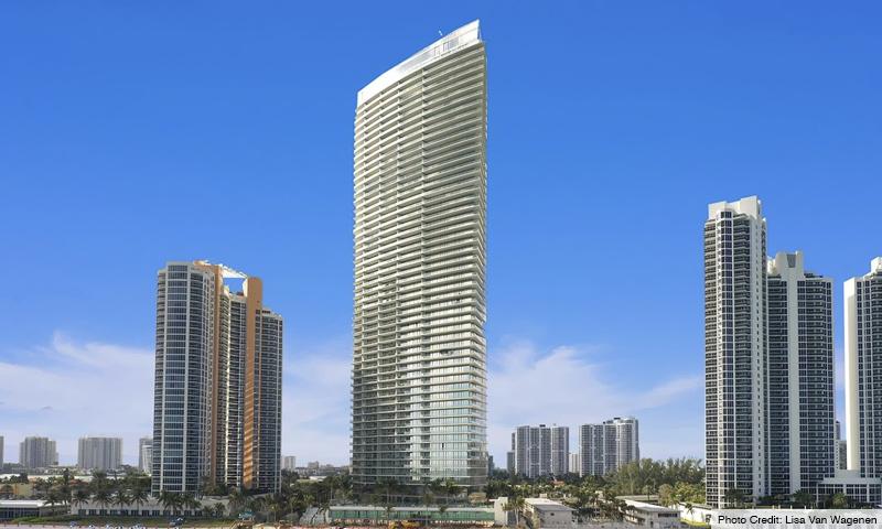 02-Armani-Residences-2020-Building