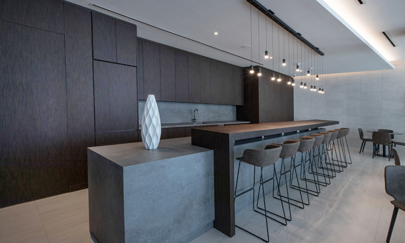 13-Quadro-Poolside-Lounge