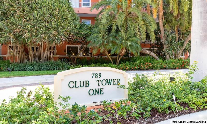 03-Ocean-Club-Club-Tower-I-Entrance