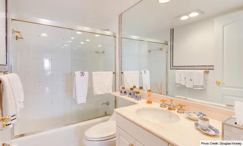 15-Key-Colony-III-Emerald-Bay-Bathroom