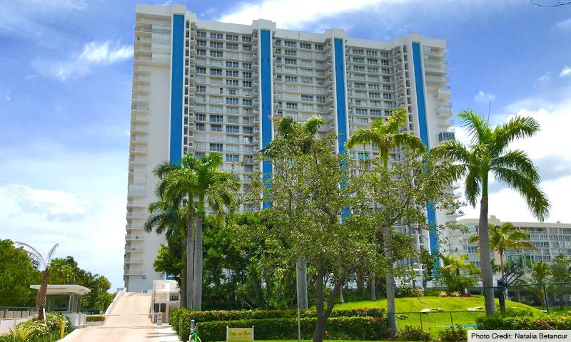 03-Casa-del-Mar-Building