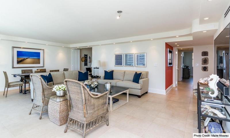 09-Sands-of-Key-Biscayne-Living-Room