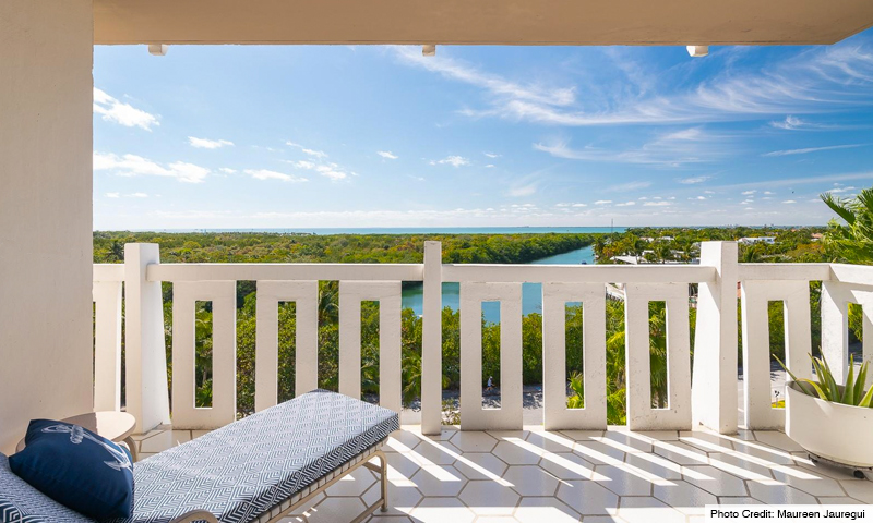 18-The-Towers-of-Key-Biscayne-Balcony