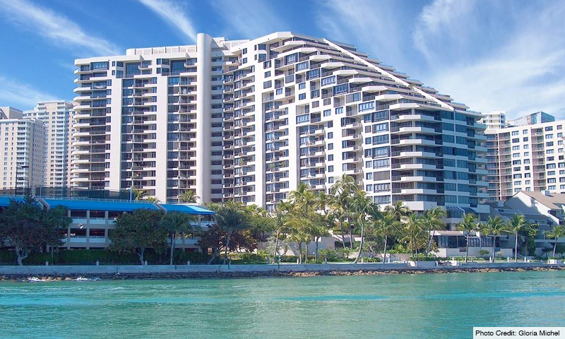 03-Brickell-Key-One-Building