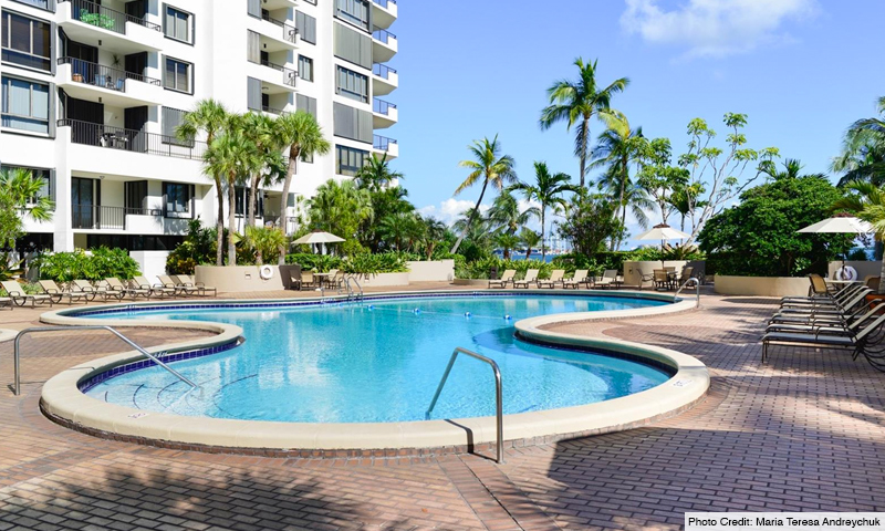 08-Brickell-Key-One-Pool
