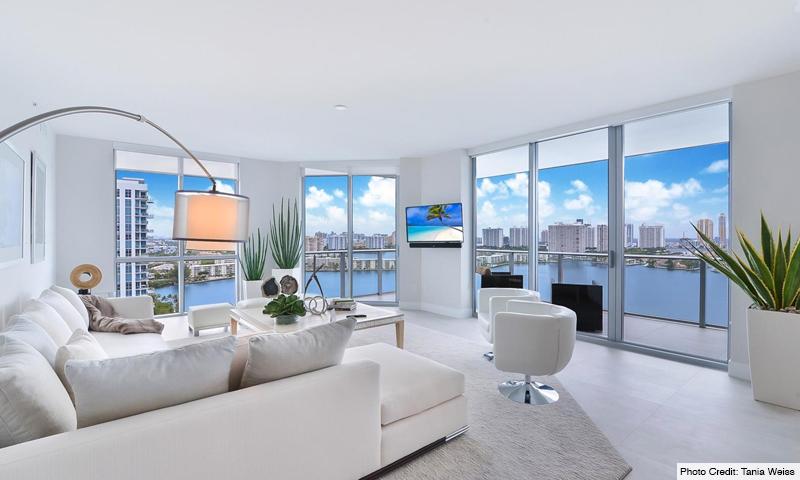 13-Marina-Palms-South-Living-Room