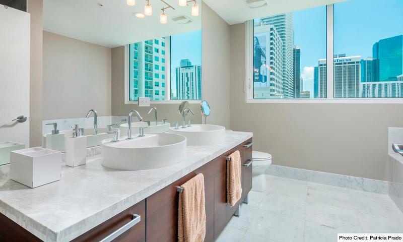 14-Vizcayne-North-Bathroom
