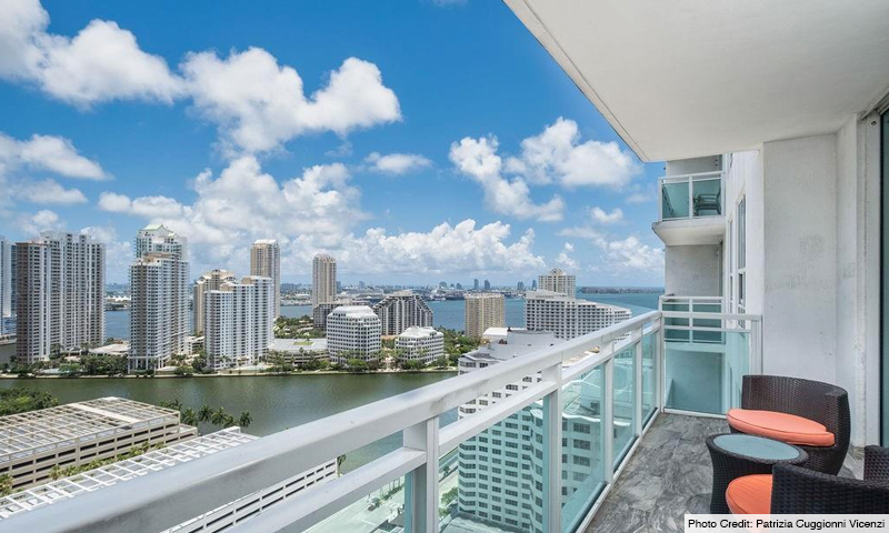 16-Plaza-on-Brickell-North-Balcony