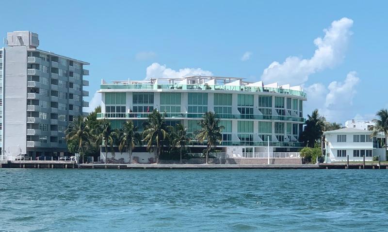 01-Bay-View-Lofts-Building-2020