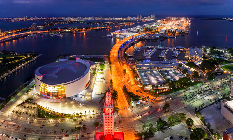 05-Natiivo-Miami-Views-East-at-Night