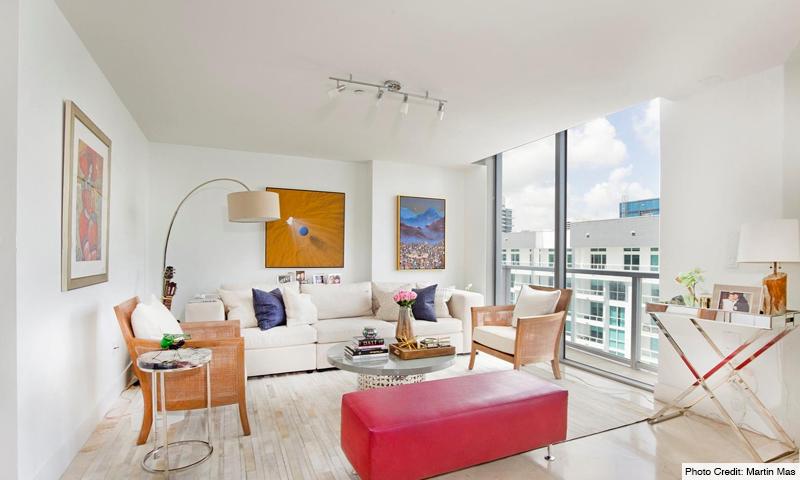 11-1060-Brickell-Avenue-East-Living-Room