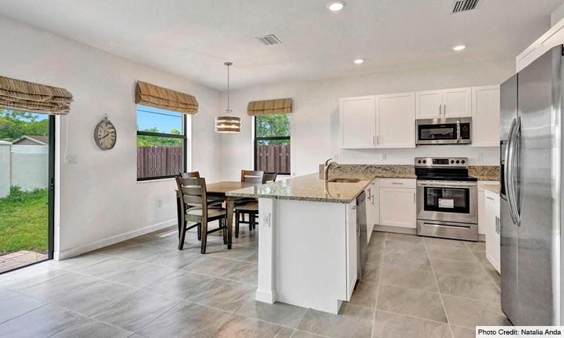 07-Via-Ventura-Lennar-Homes-Kitchen-2020