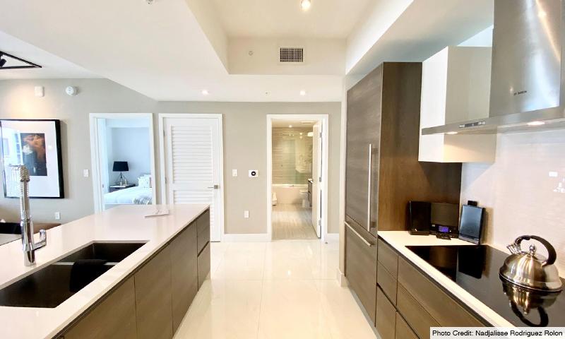 15-Merrick-Manor-Kitchen-2020