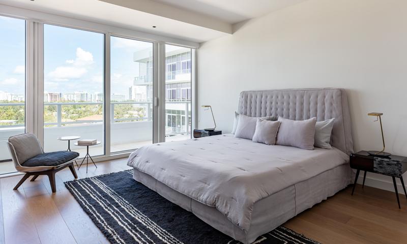 20-Ritz-Carlton-Miami-Beach-Bedroom-2020