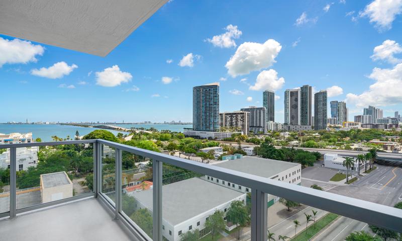 22-Quadro-Balcony-2020