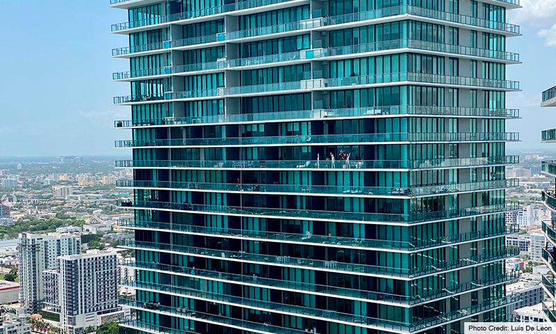 02-One-Paraiso-2021-Building